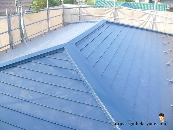 2階屋根カバー工法全景