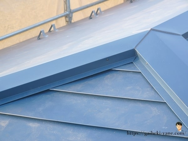 2階屋根部分のガルバリウム鋼板仕上げ