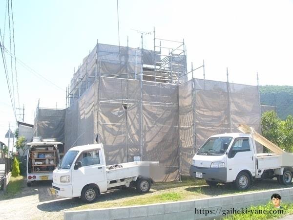 まずは屋根カバー工法の下処理
