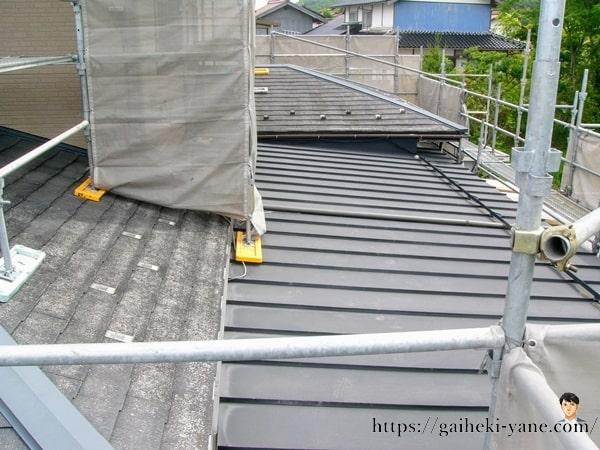スレート屋根とガルバリウム鋼板屋根