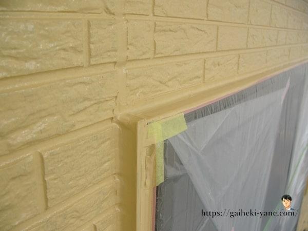 終了した2階外壁塗装の中塗り工程