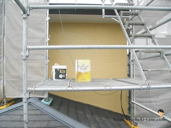 2階外壁の中塗り工程