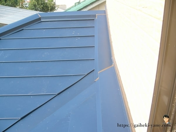1階屋根カバー工法が完成