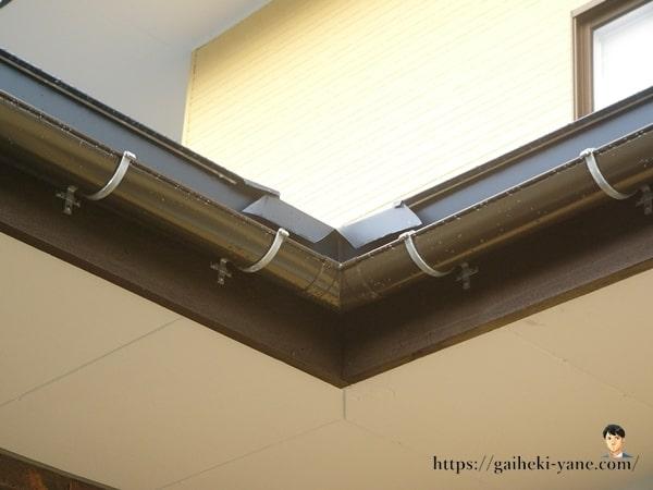 屋根コーナー部分