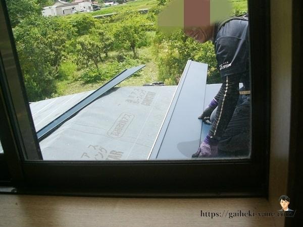 1階屋根ガルバリウム鋼板貼り