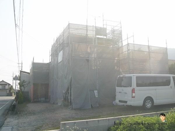 6月25日:1階外壁の中塗り&仕上げ塗り