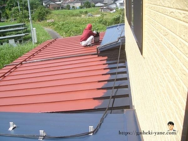 屋根塗装(仕上げ塗り)