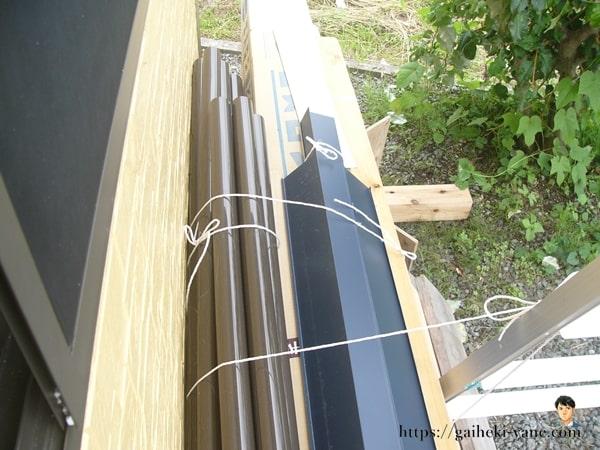 雨でびしょ濡れの材木をそのまま使う屋根業者には注意!